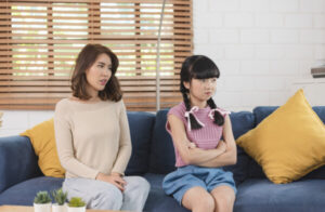 5-Hal-yang-Buat-Kamu-Merasa-Tertekan-di-Keluarga